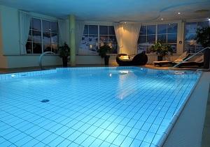 Zwembad verlichting | Zwembadexperts.nl
